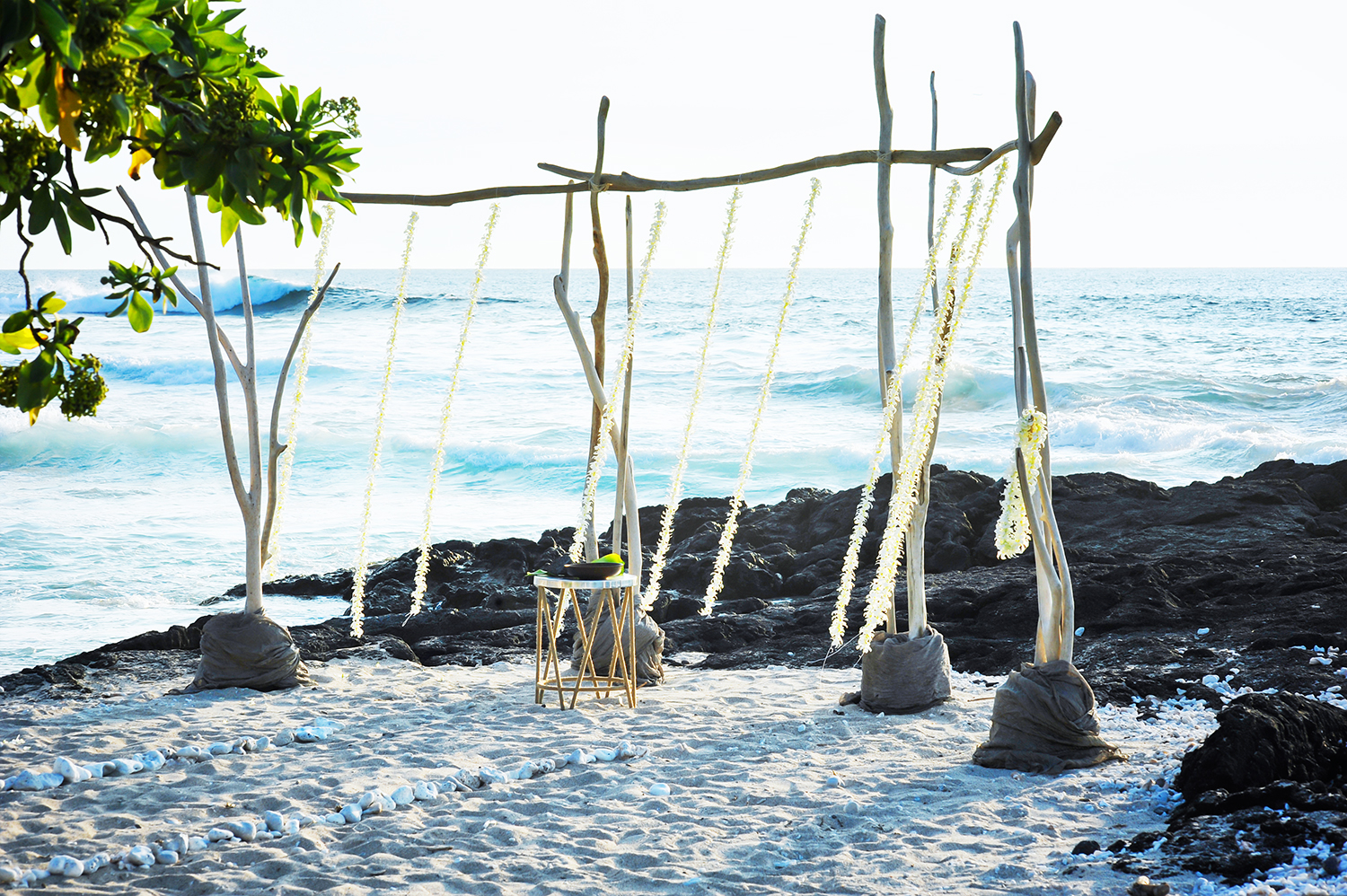 alohilani-weddings-beach-weddings-hawaii-erick-rhodes-photography.jpg