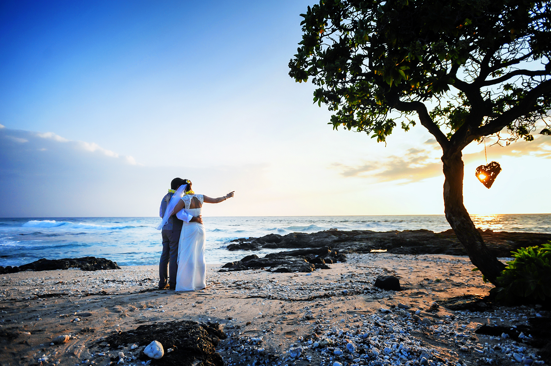 alohilani-weddings-beach-wedding-hawaii-kohanaiki.jpg