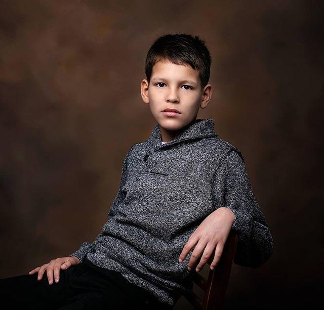 Love capturing #tweens 💕  #tween #tweenmodel #childmodel #nataliebowersphotography #portraitphotography #portrait #child #jrmodelmag #jrmodel #tweenboys #ohiotweenphotographer #studio