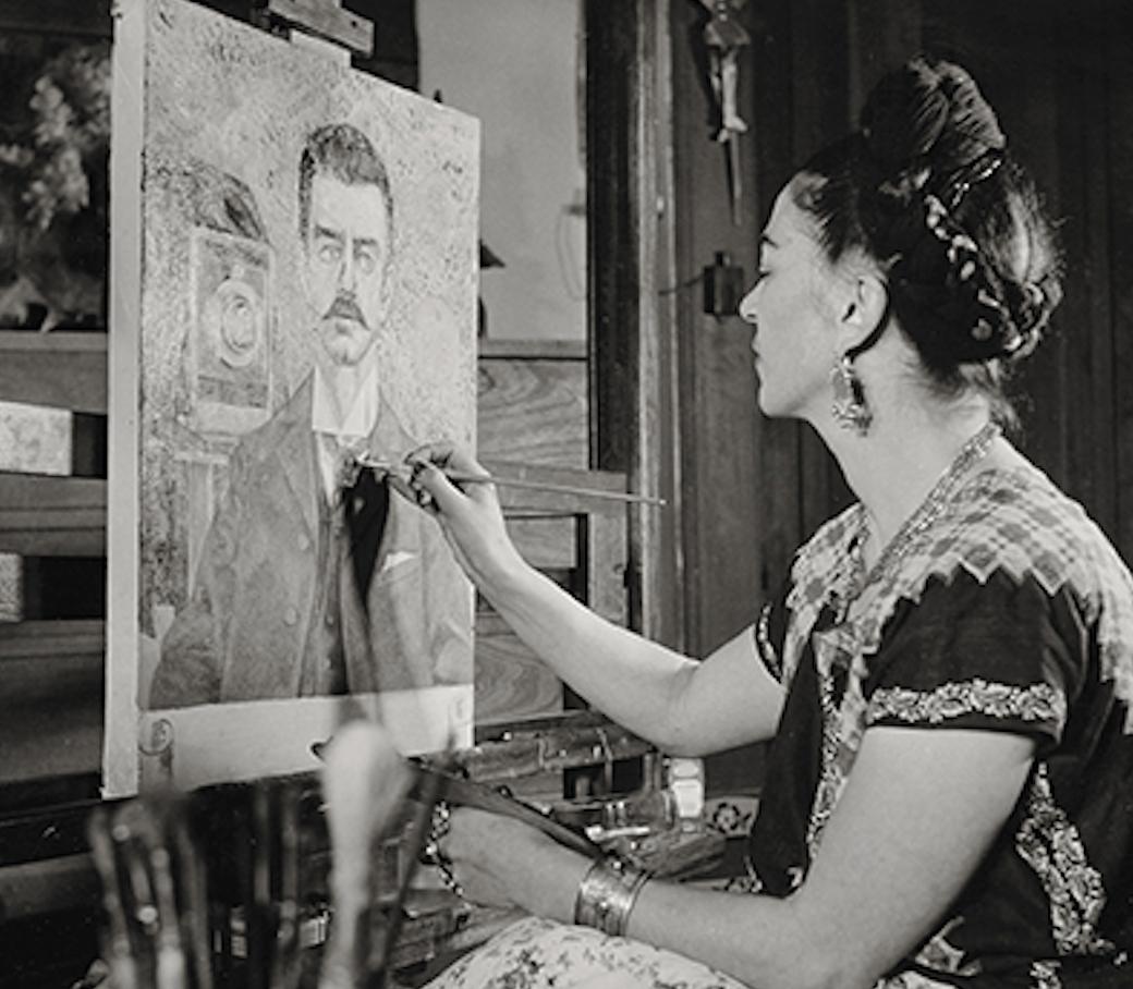 Frida_Kahlo_Oil_Painting_studio_work.jpeg