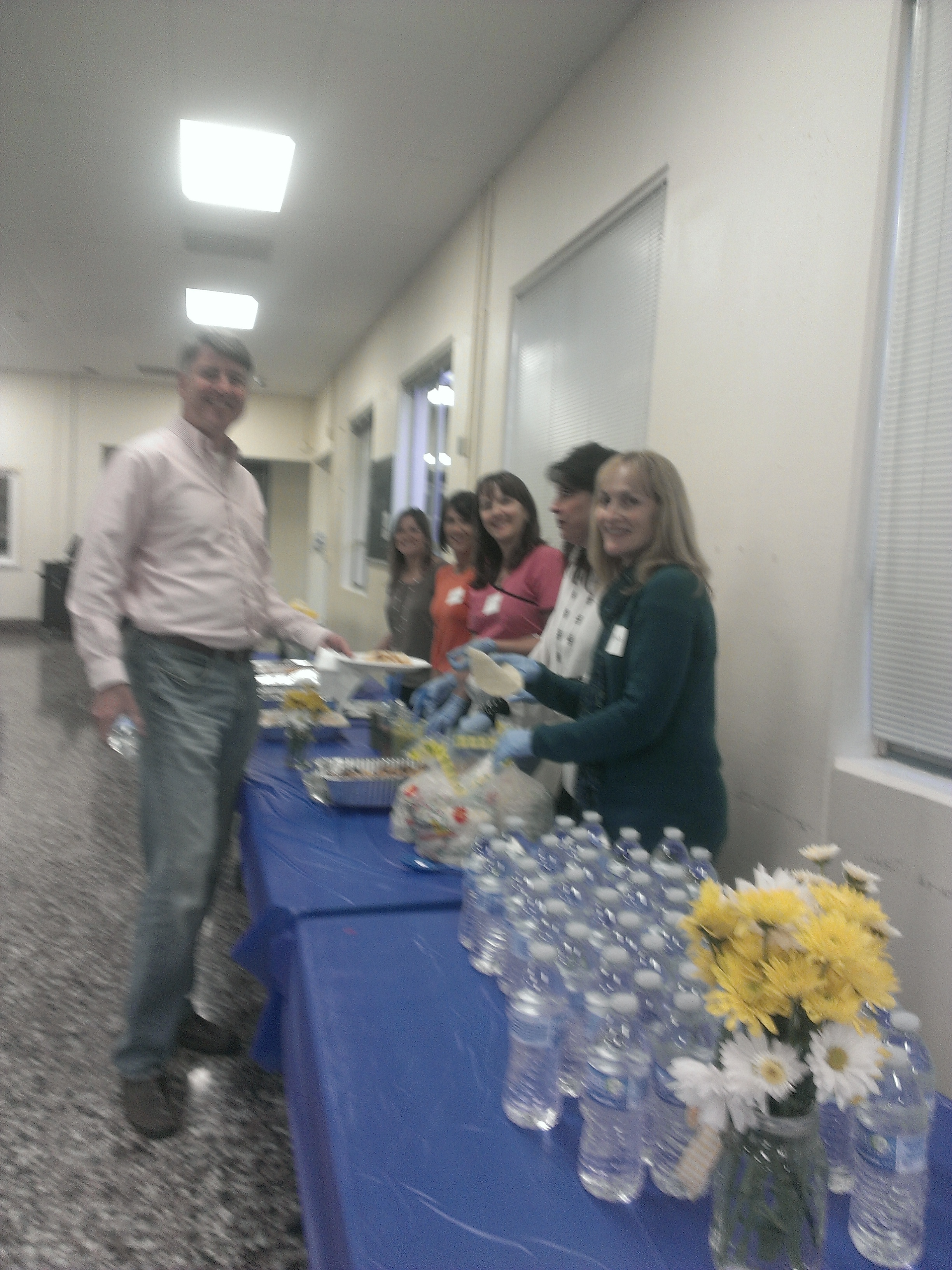 AE@TL Parents Volunteers Serve Up Tacos to Build Community and Support College, Career, & Counseling at TL