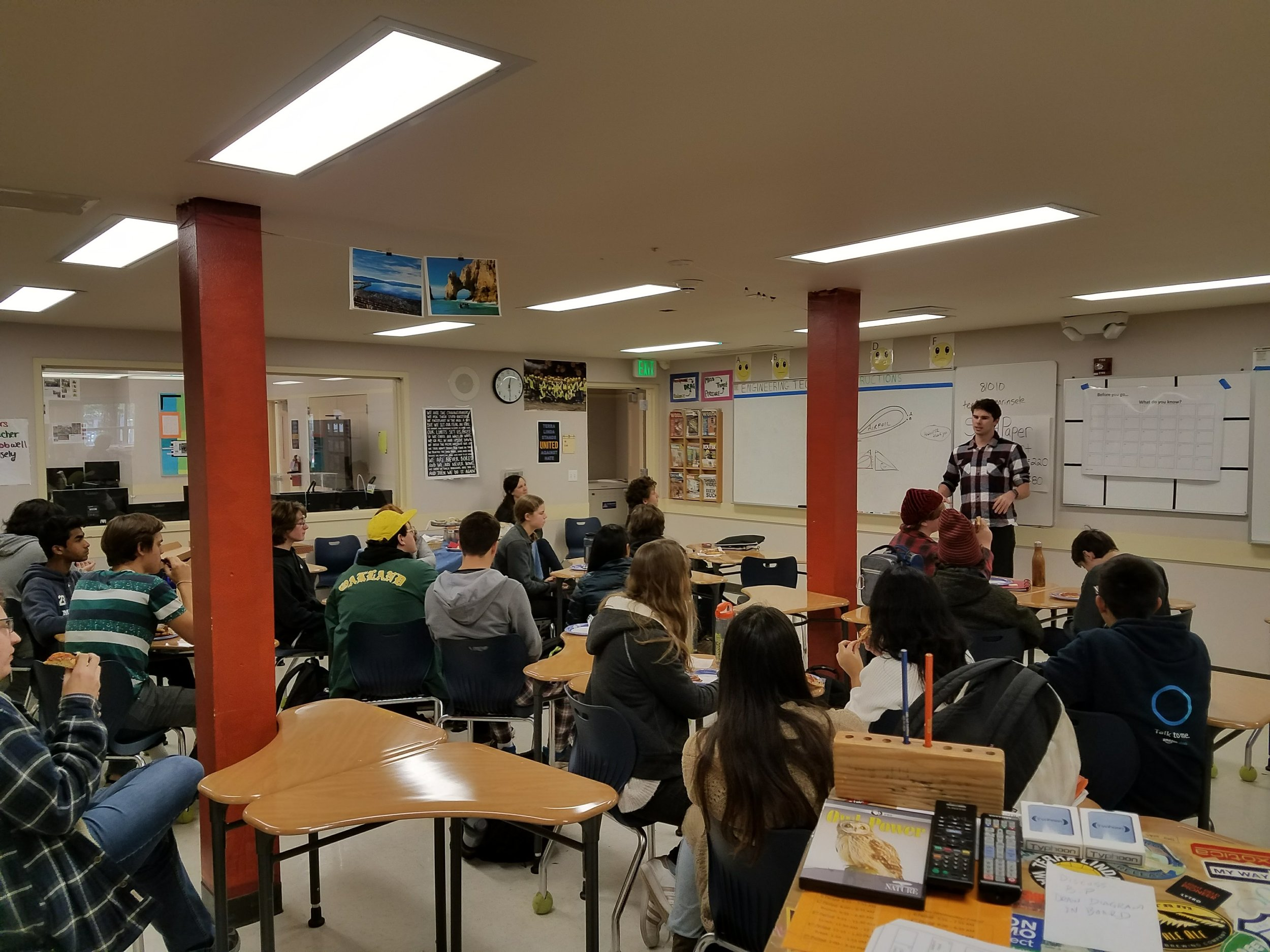 TL Students gather to hear celebrated alumni Jack Connely Share about his studies in Computer Science at UC Berkeley