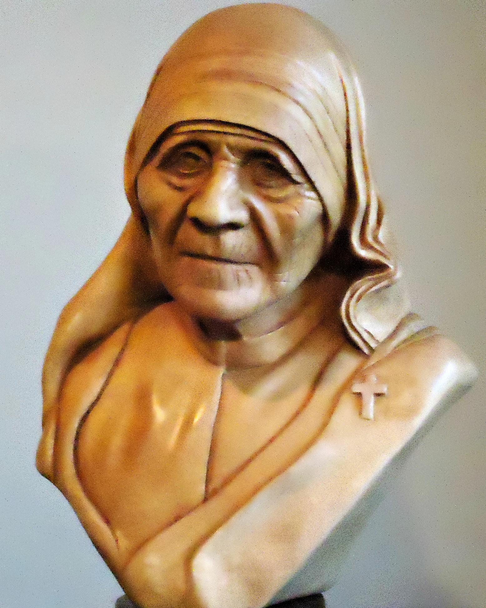 Mother Theresa 1 Maureen Laxpati Wood Carving