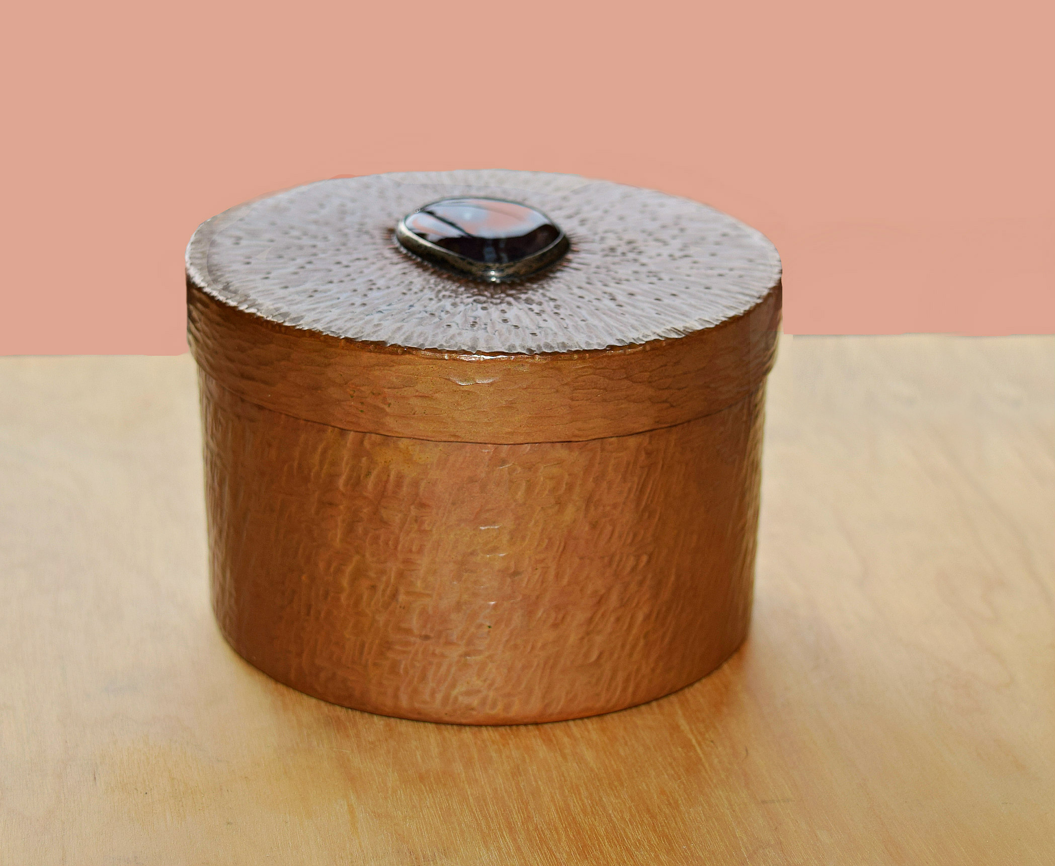 Metal Round Box Randy Sander Hammered copper, agate
