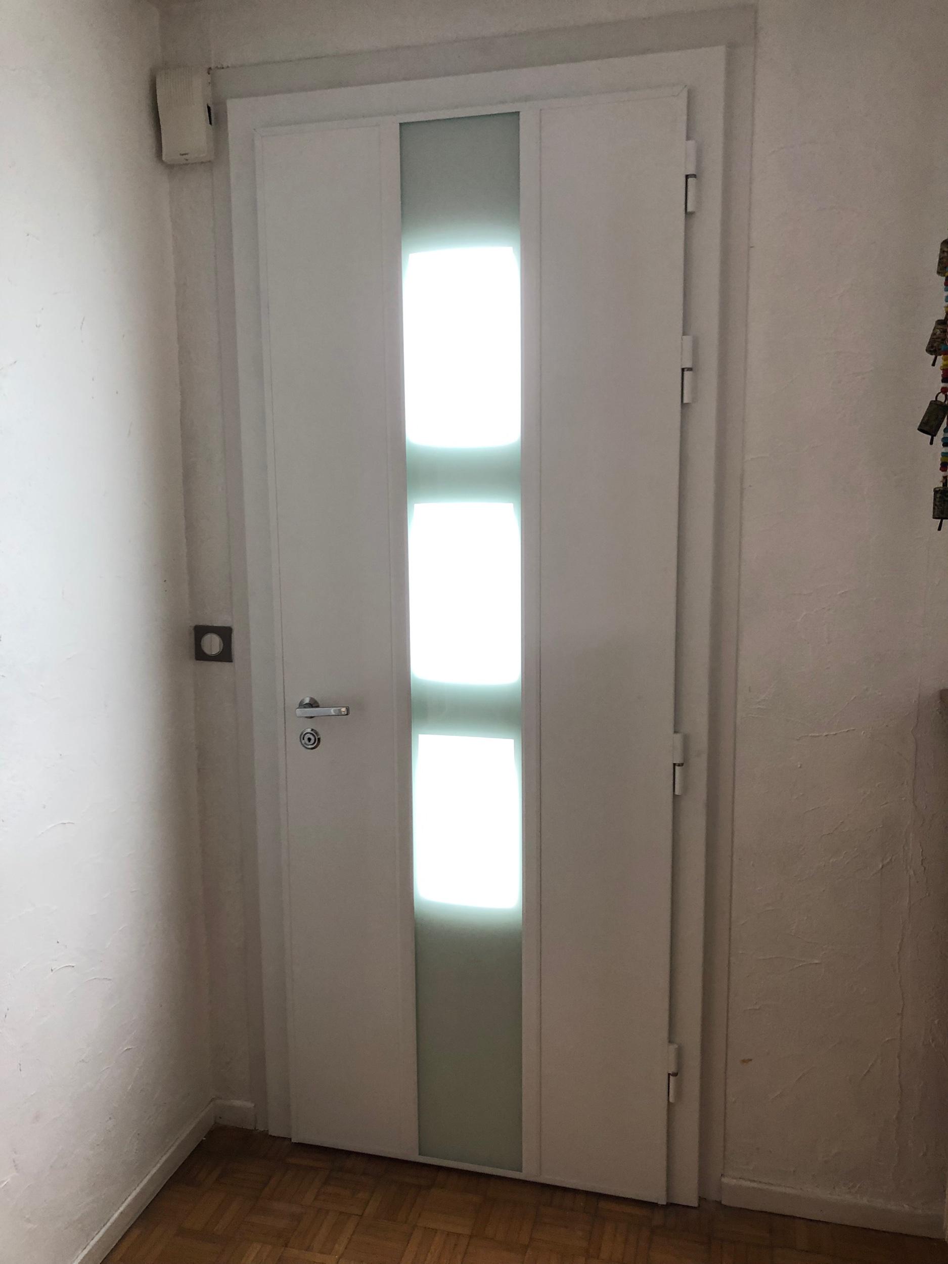 Bicoloration blanc intérieur , gris anthracite extérieur