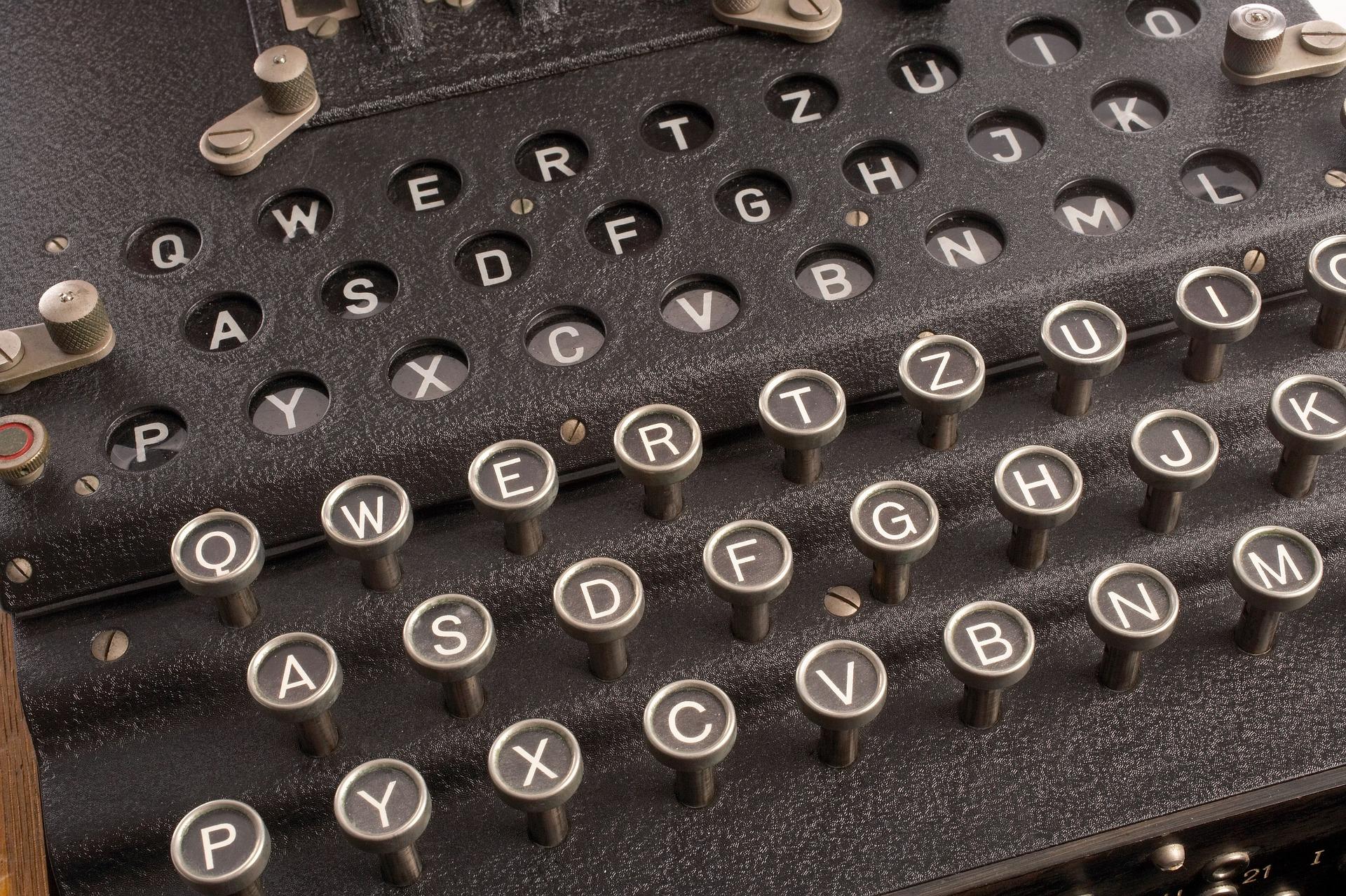 rotor-cipher-machine-1147801_1920.jpg