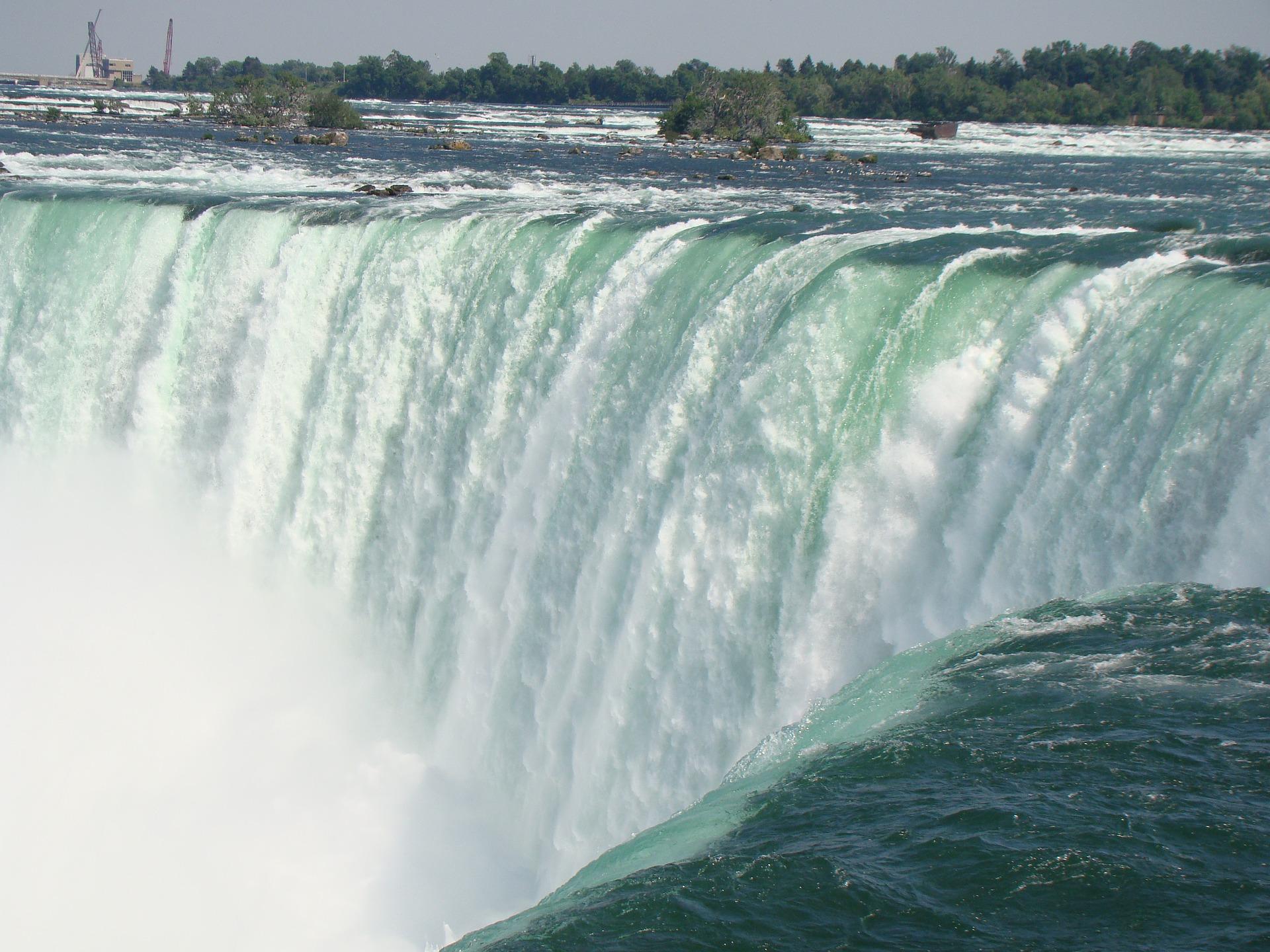 niagara-falls-2367583_1920.jpg