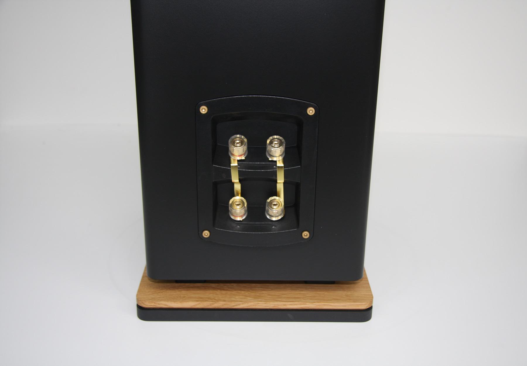 Lautsprecher-teufel-Standbox_6486-20-web.jpg