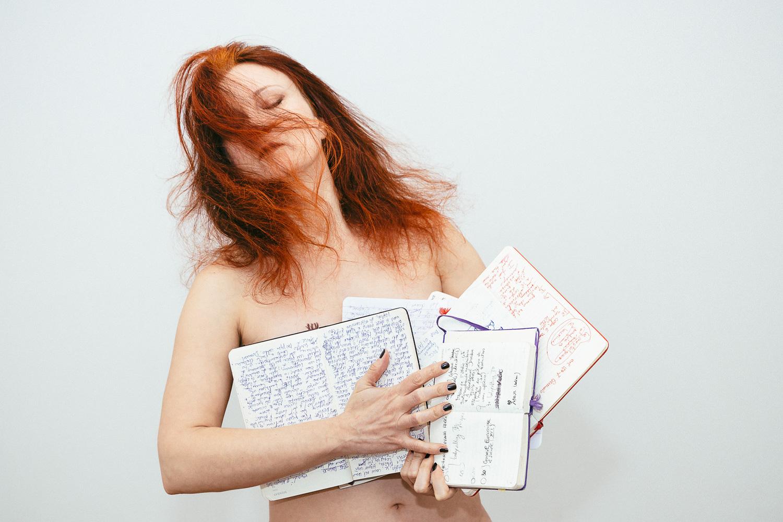 Dans mes mains, mes cahiers de poésie