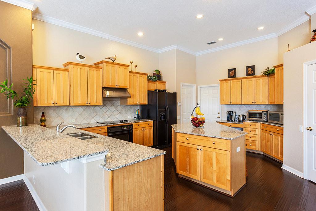 kitchen-2compressed.jpg