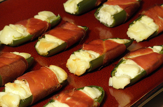 Grilled Jalapeno and Prosciutto Poppers