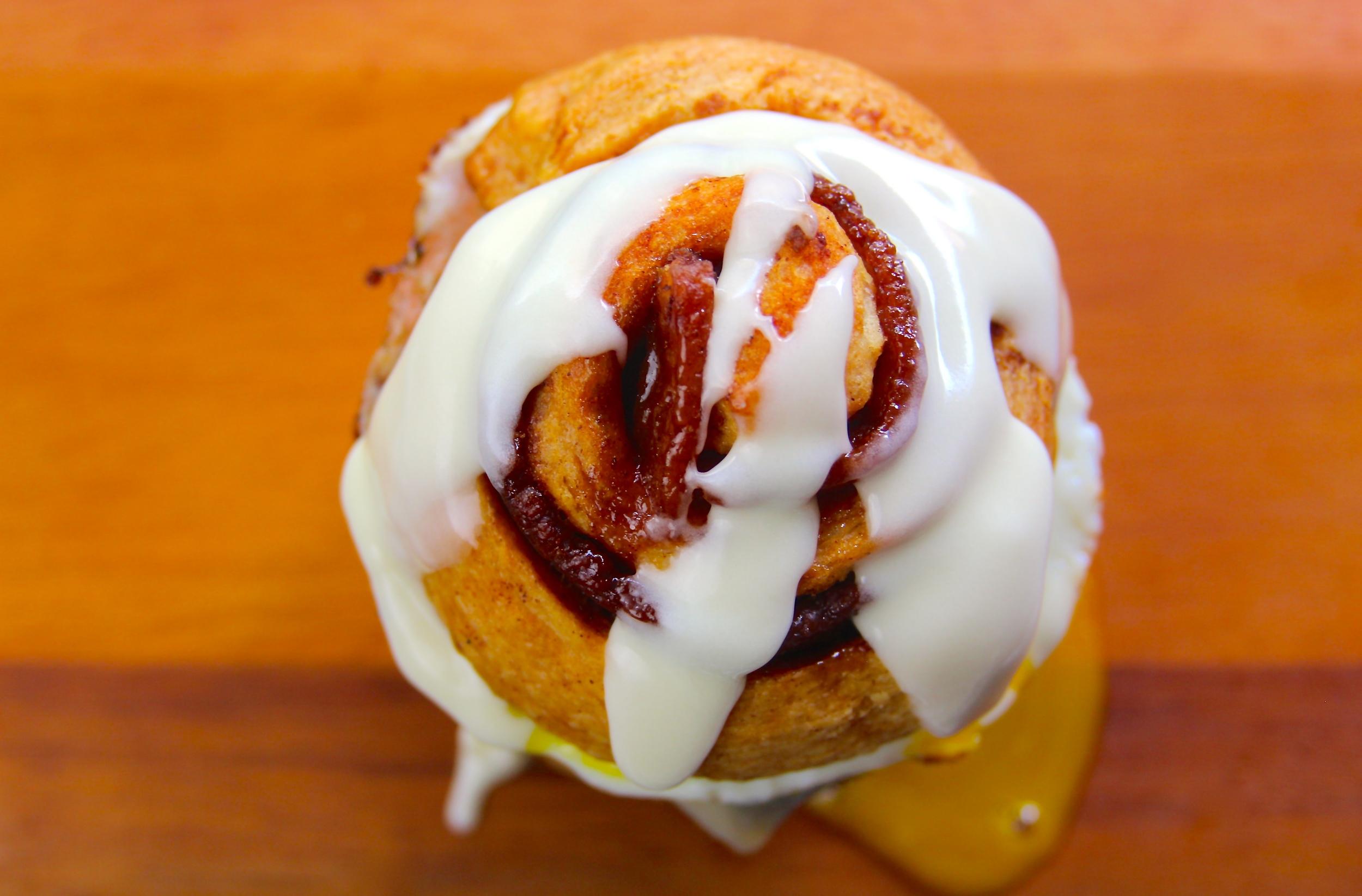 Bacon Cinnamon Roll Burger Recipe