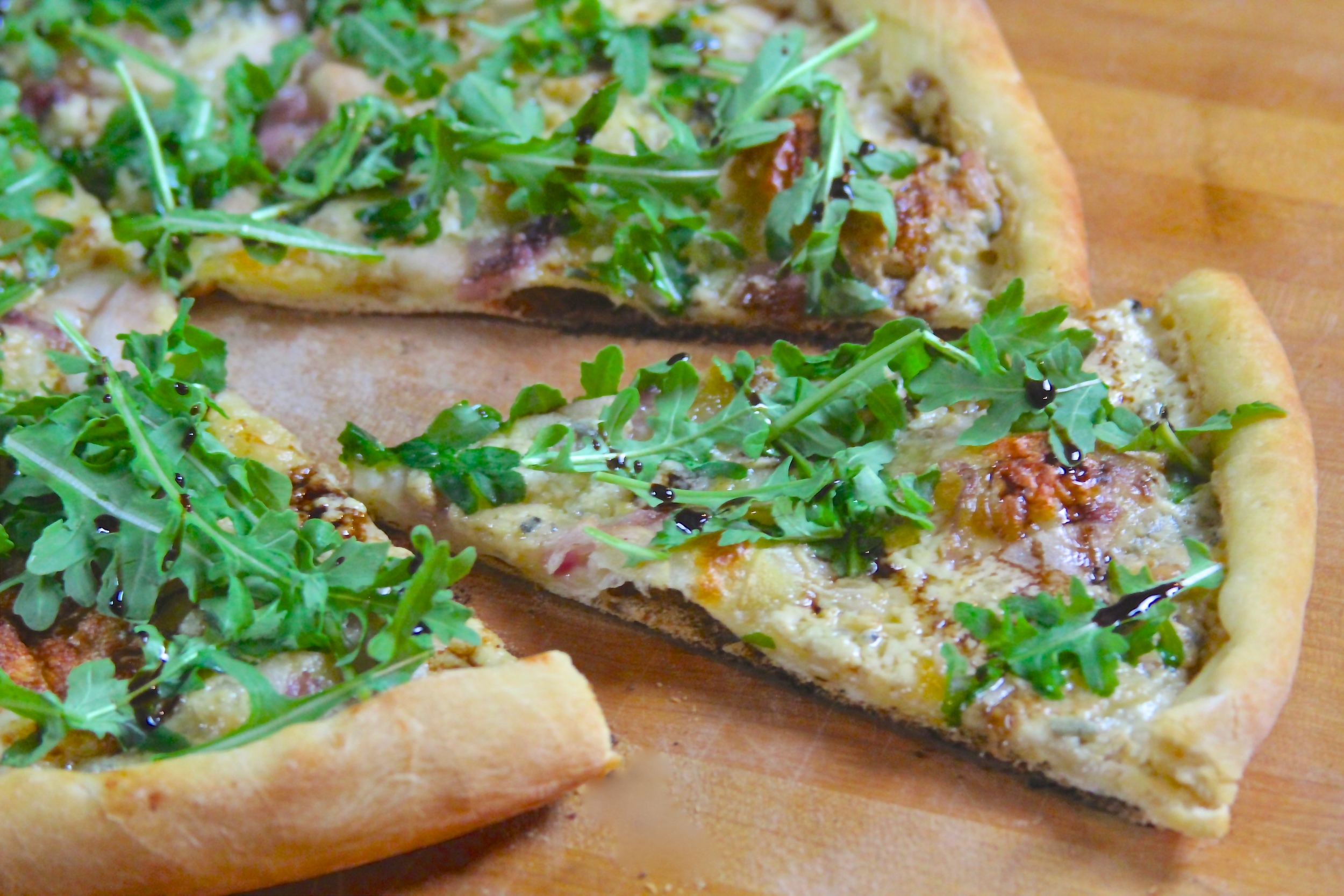 Grilled Pear, Blue Cheese, and Arugula Pizza