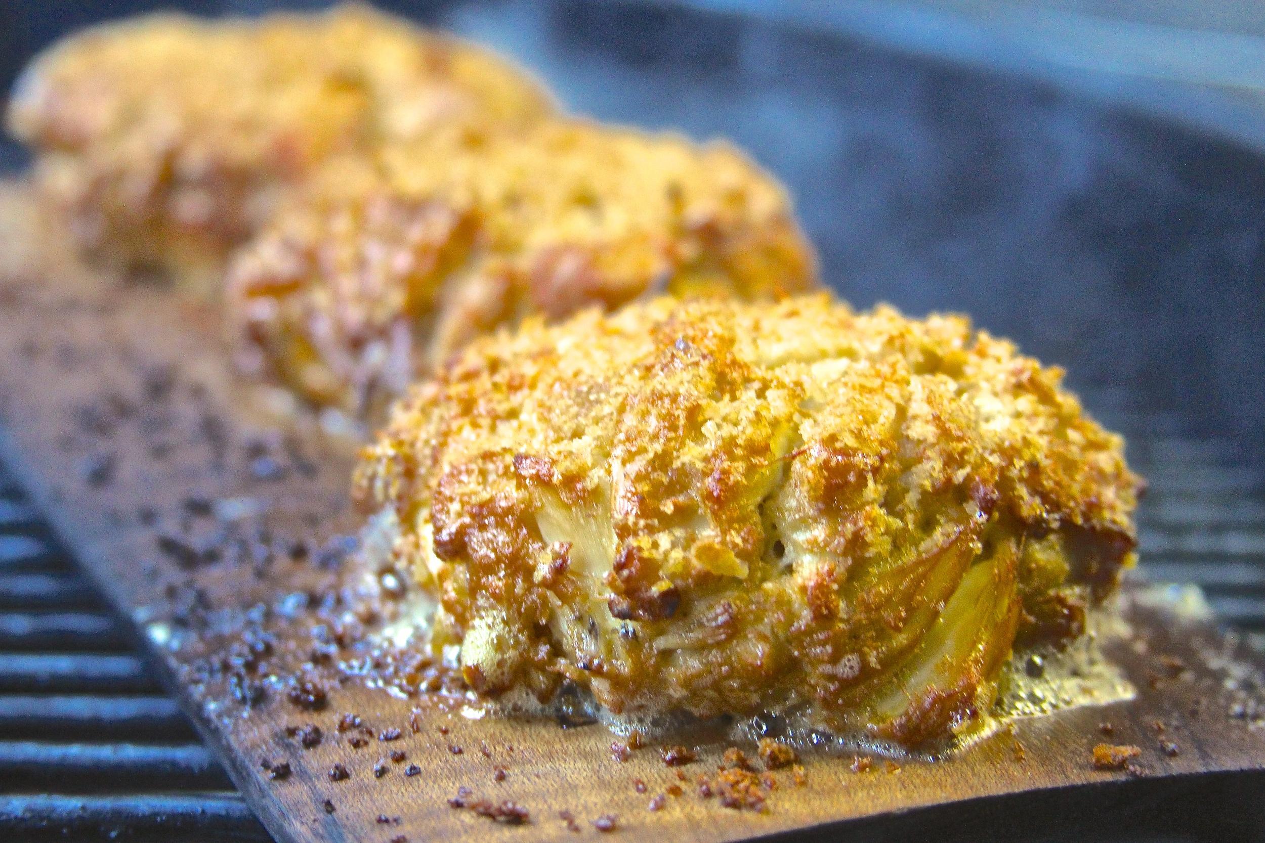 Plank Grilled Crab Cakes with Lemon-Garlic Aioli