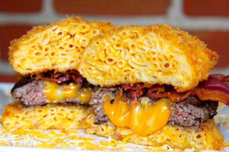 Mac N Cheese Burger with Mac N Cheese Bun