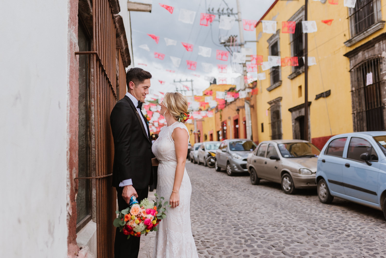 boda-con-inspiracion-mexicana-en-san-miguel-de-allende-delia-hurtado-46.jpg