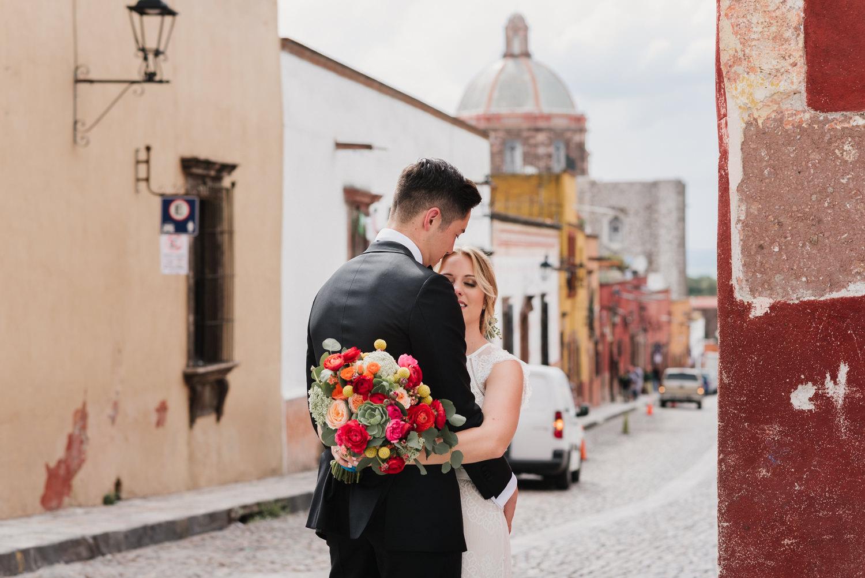 boda-con-inspiracion-mexicana-en-san-miguel-de-allende-delia-hurtado-53.jpg