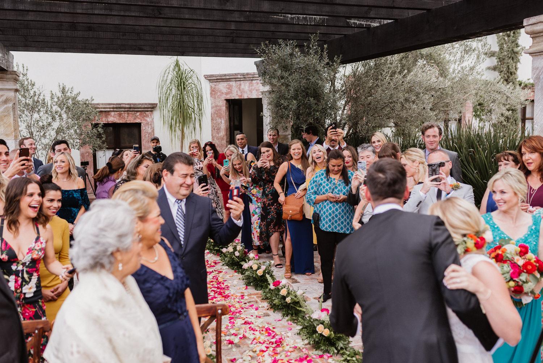 boda-con-inspiracion-mexicana-en-san-miguel-de-allende-delia-hurtado-72.jpg