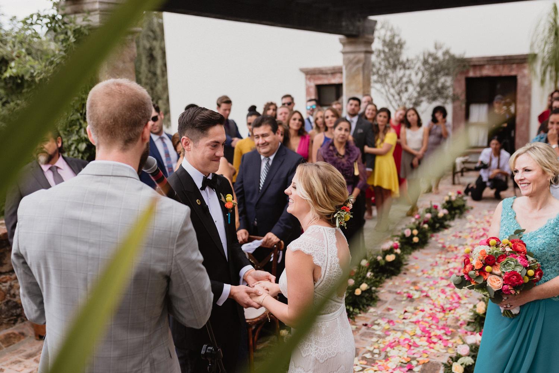 boda-con-inspiracion-mexicana-en-san-miguel-de-allende-delia-hurtado-81.jpg