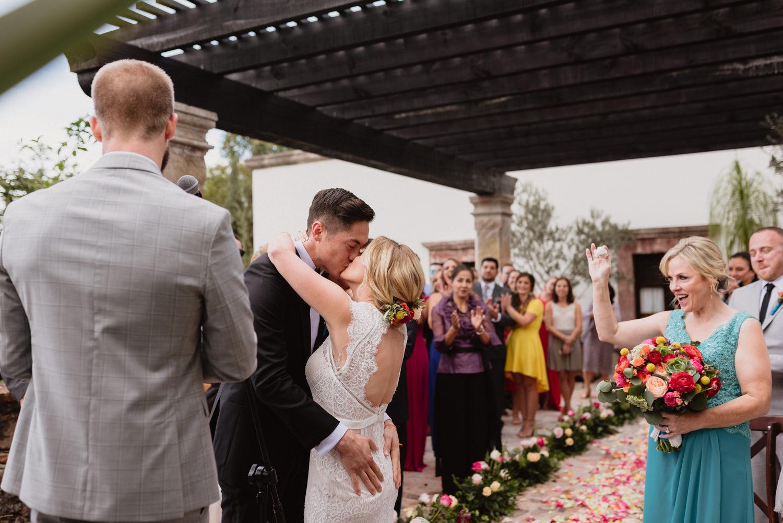 boda-con-inspiracion-mexicana-en-san-miguel-de-allende-delia-hurtado-82.jpg
