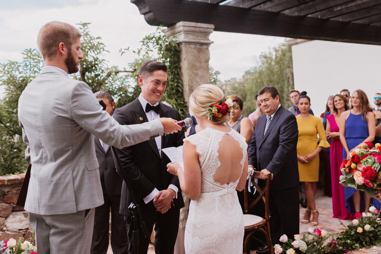 boda-con-inspiracion-mexicana-en-san-miguel-de-allende-delia-hurtado-77.jpg