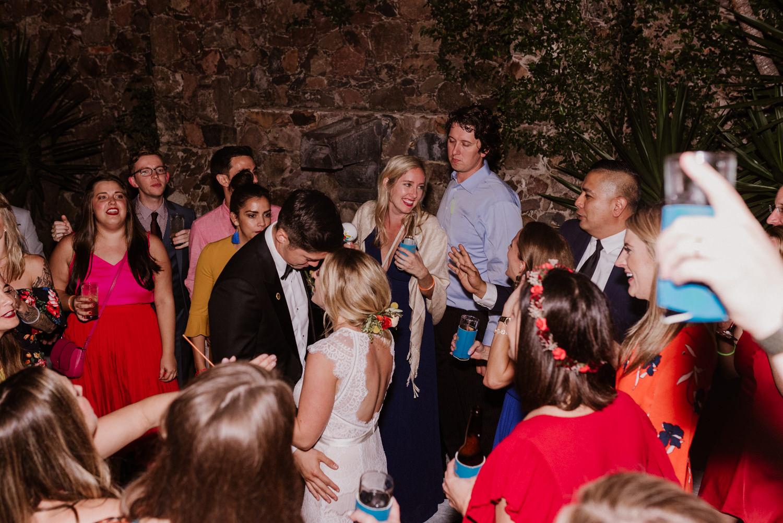 boda-con-inspiracion-mexicana-en-san-miguel-de-allende-delia-hurtado-131.jpg
