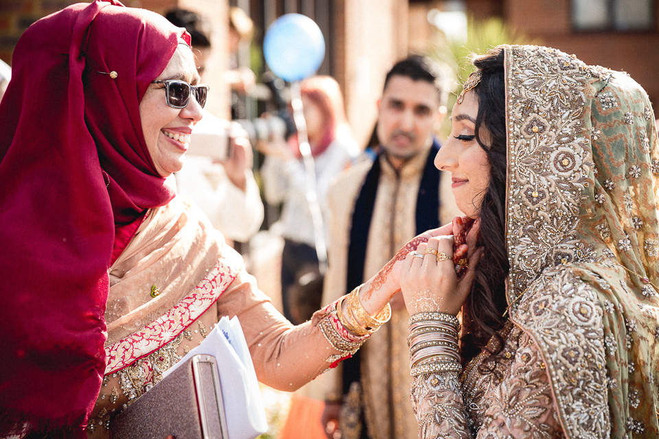 London_Wedding_Photographer_Natural_Candid_Asian_Hana&Maulic-126.jpg