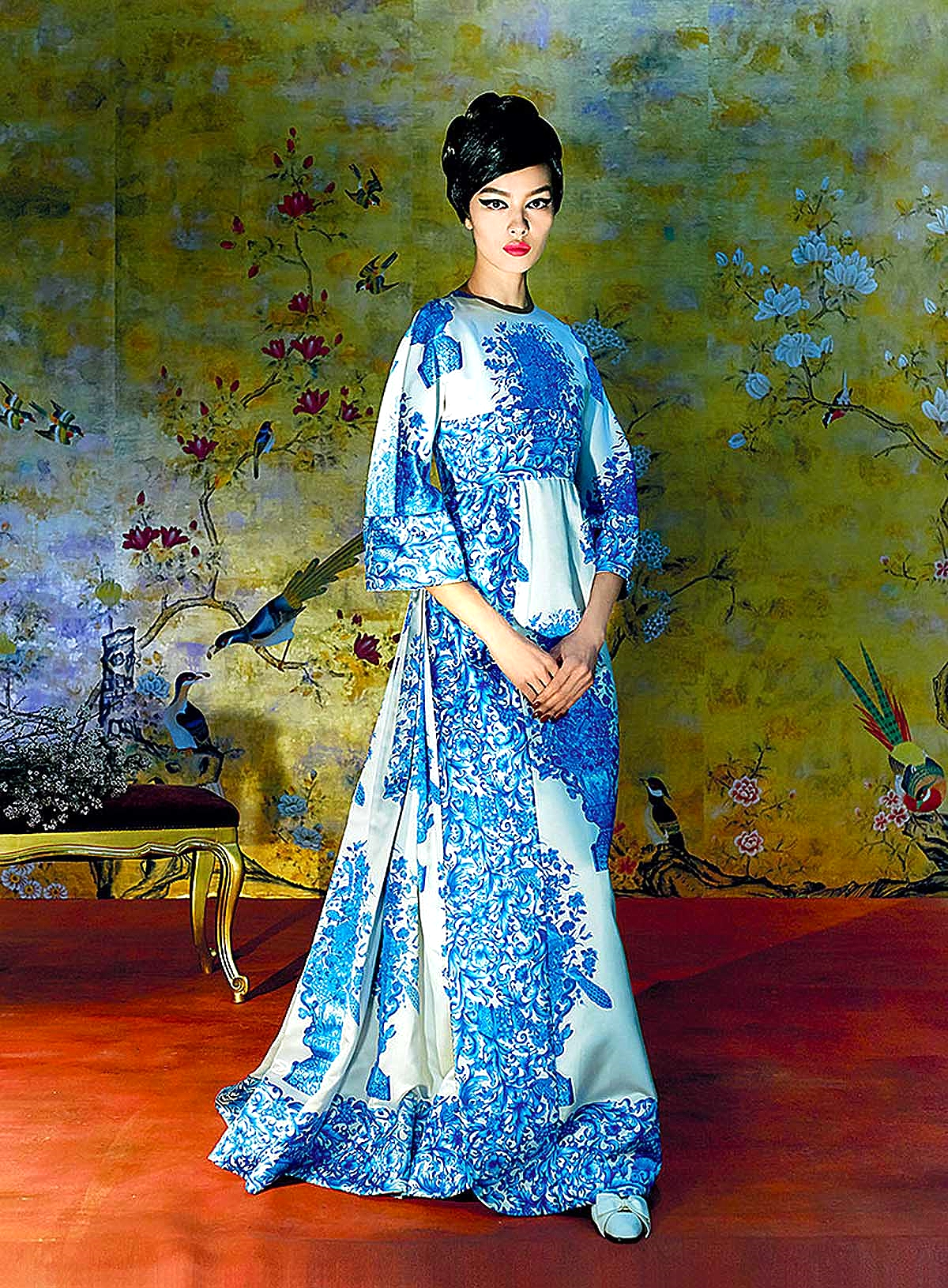 Valentino created this blue-and-white bouquet-printed gown in Autumn 1968.
