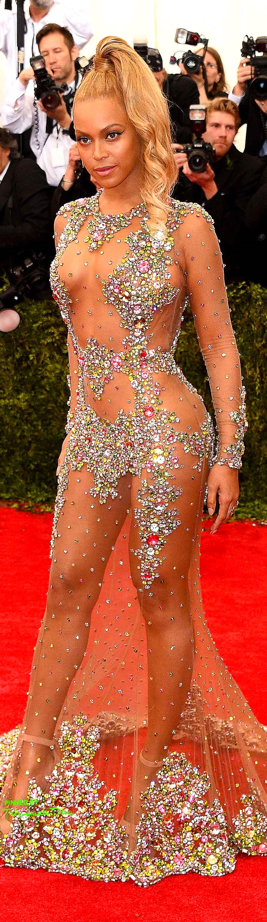 Beyoncé in Givenchy Getty Images/ Larry Busacca