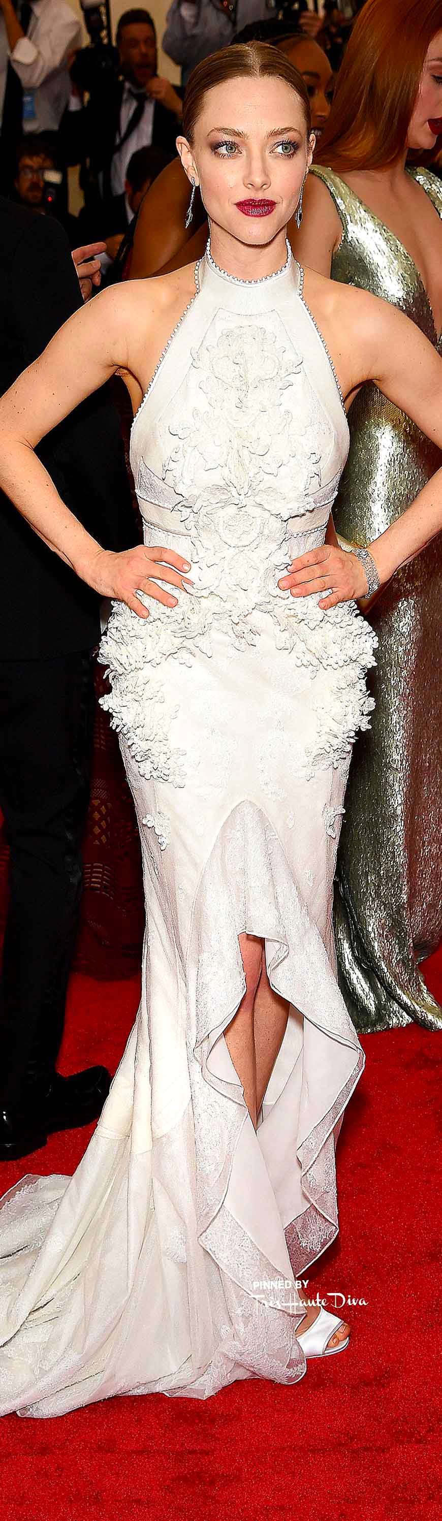 Amanda Seyfried in Givenchy Haute Couture Getty Images/ Dimitrios Kambouris