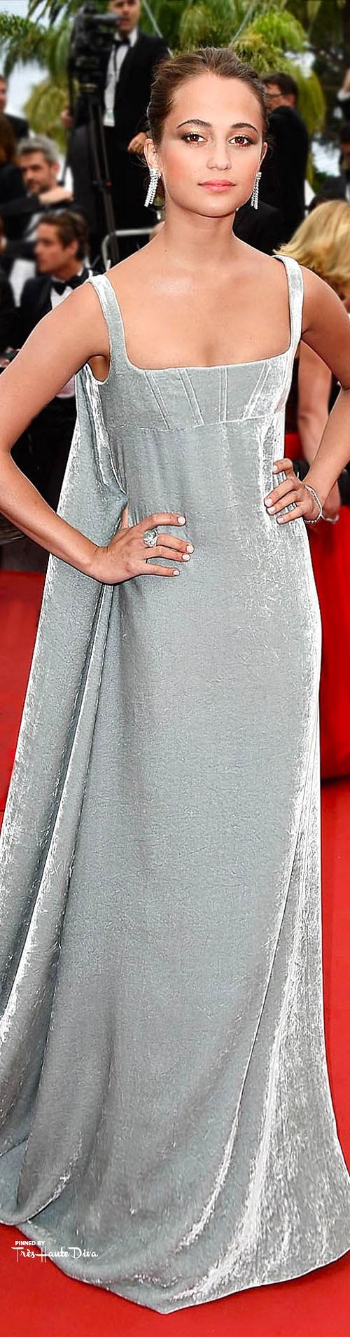 Alicia Vikander in Valentino Couture  vogue.uk.com/ Getty