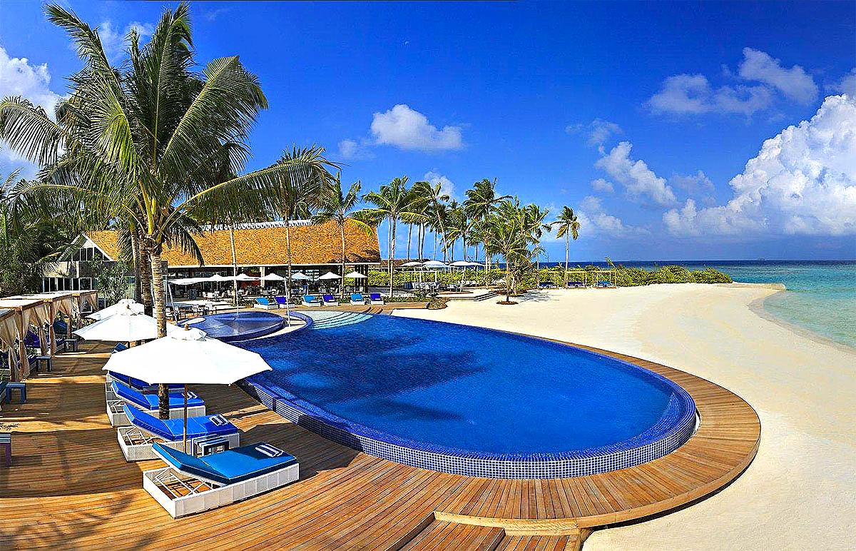 BLU Pool and Beach