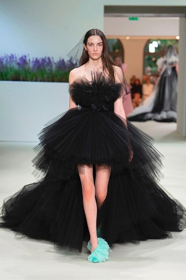 Giambattista Valli Haute Couture Fall/Winter 2018-19