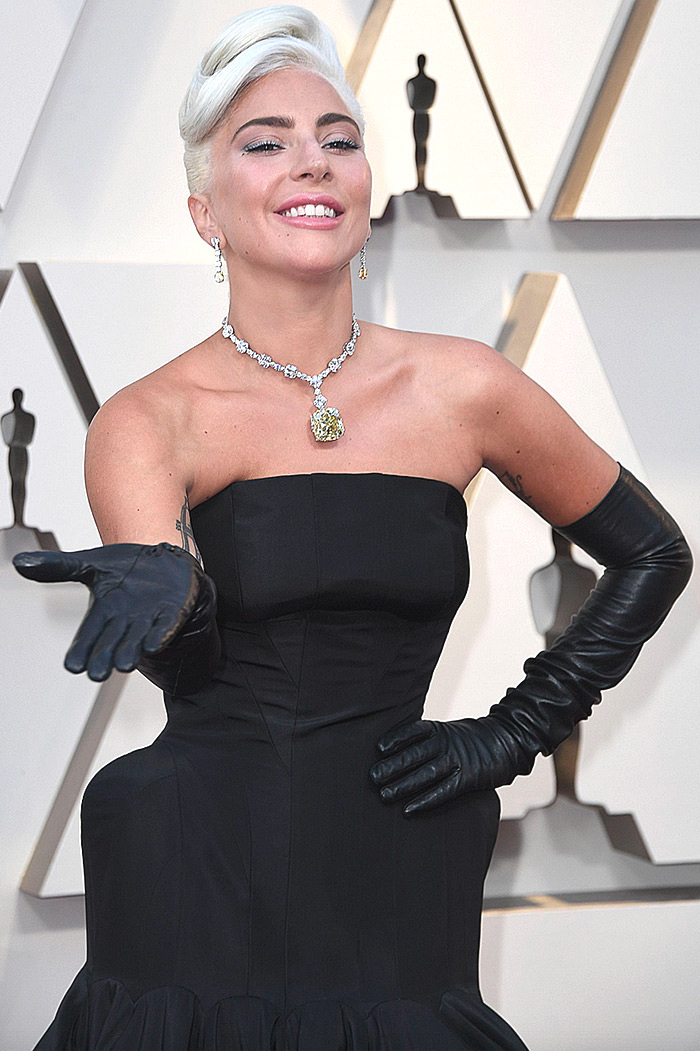 Lady Gaga with her 128.5 carat Tiffany Diamond