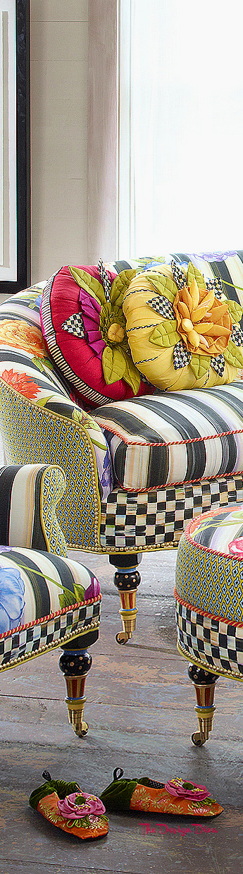 Cutting Garden Loveseat & Oval Ottoman via  The Design Diva