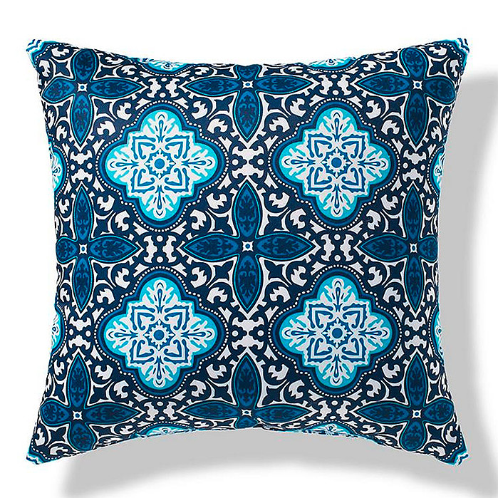 Bonifacio Medallion Outdoor Pillow