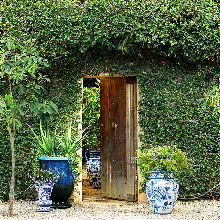 Anduze Indoor/Outdoor Planter & Blue and White Painted Planters