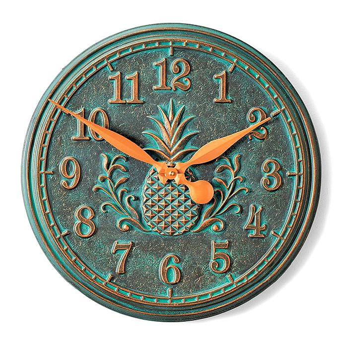 Classic Pineapple Clock