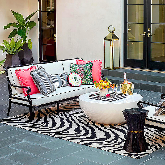 Tiger Stripe Indoor/Outdoor Rug, Carlisle Seating in Onyx Finish, Mila Low Side Table in Black