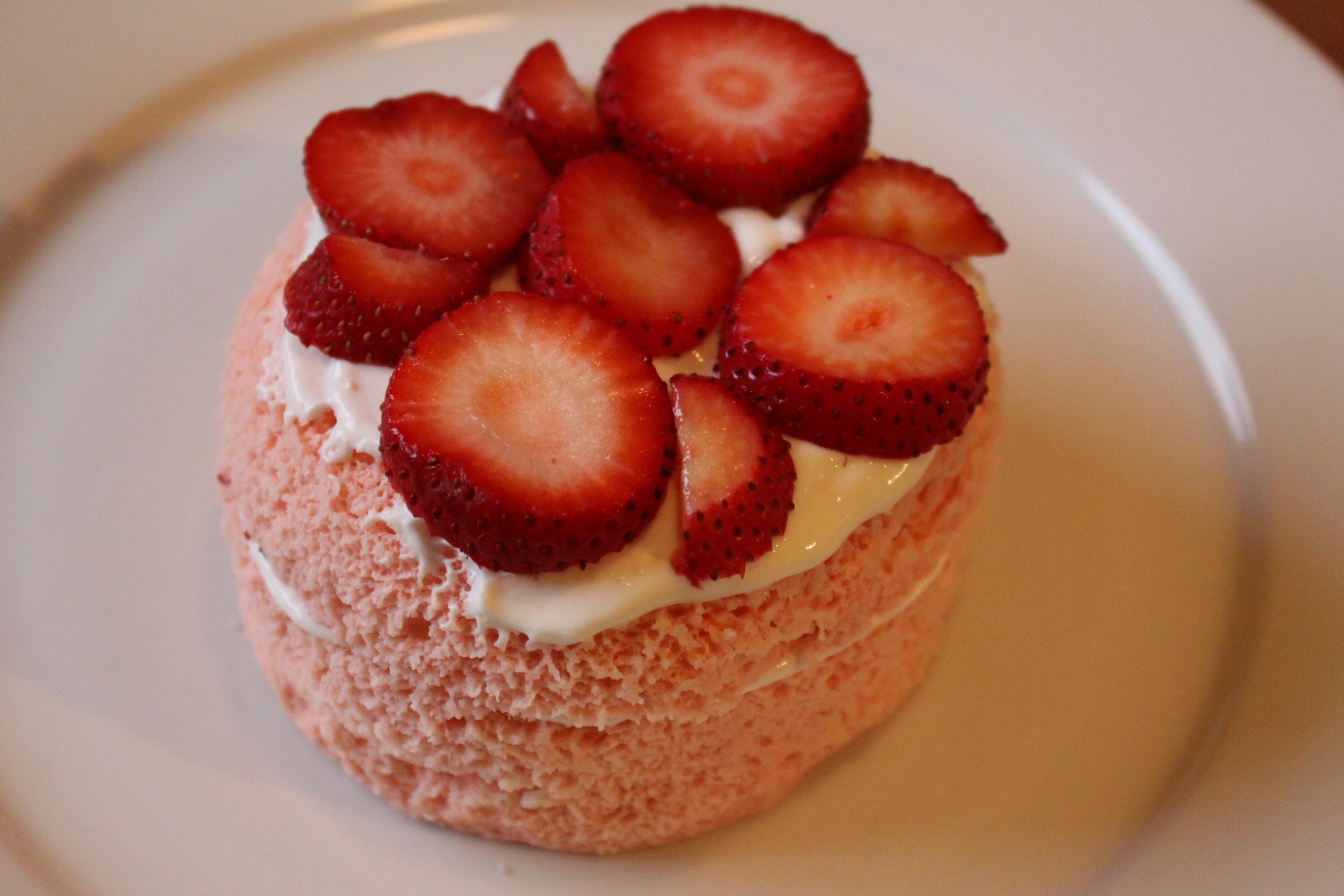 Strawberry cake 047