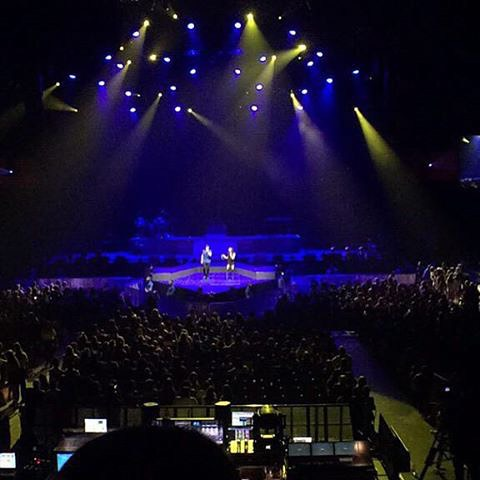 Honeymoon tour. Incredible experience. Amazing crowd. #HoneymoonTour #MichaelAndMarisa #crowd #tour
