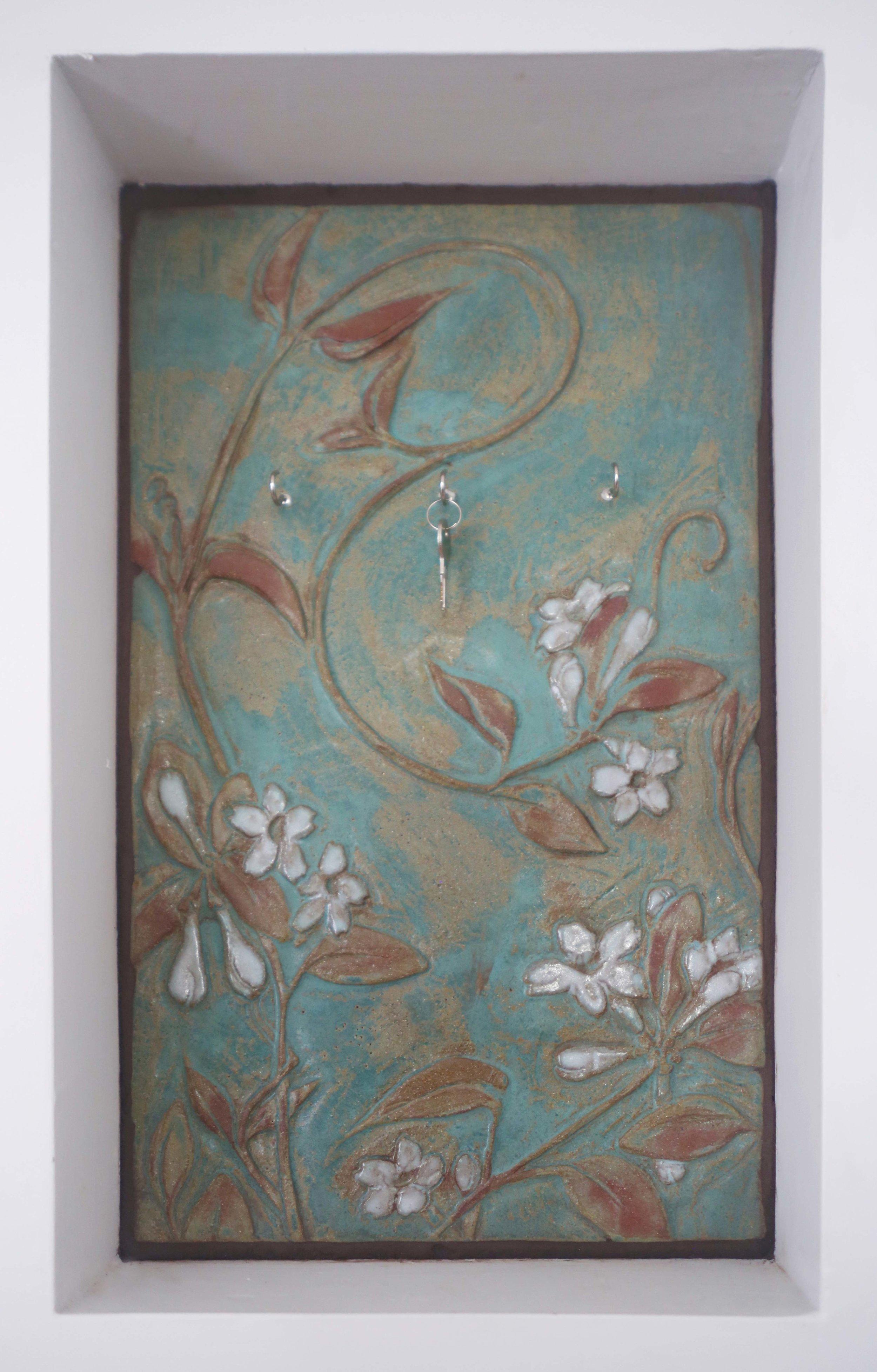 Madagascar jasmine key hook