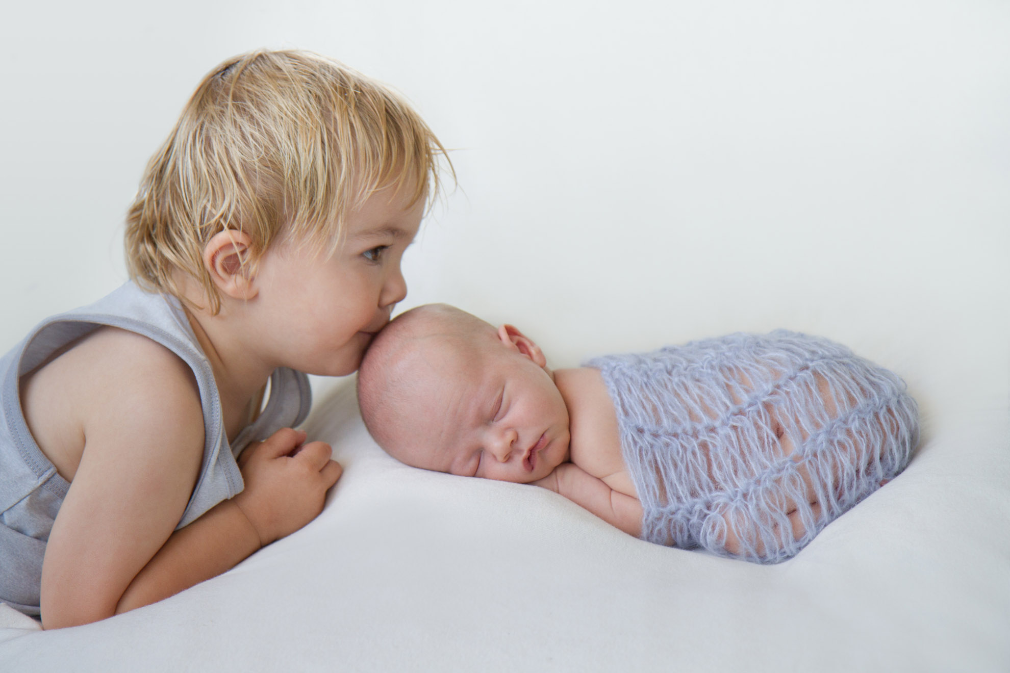 Newborn-and-sibling-photography.jpg