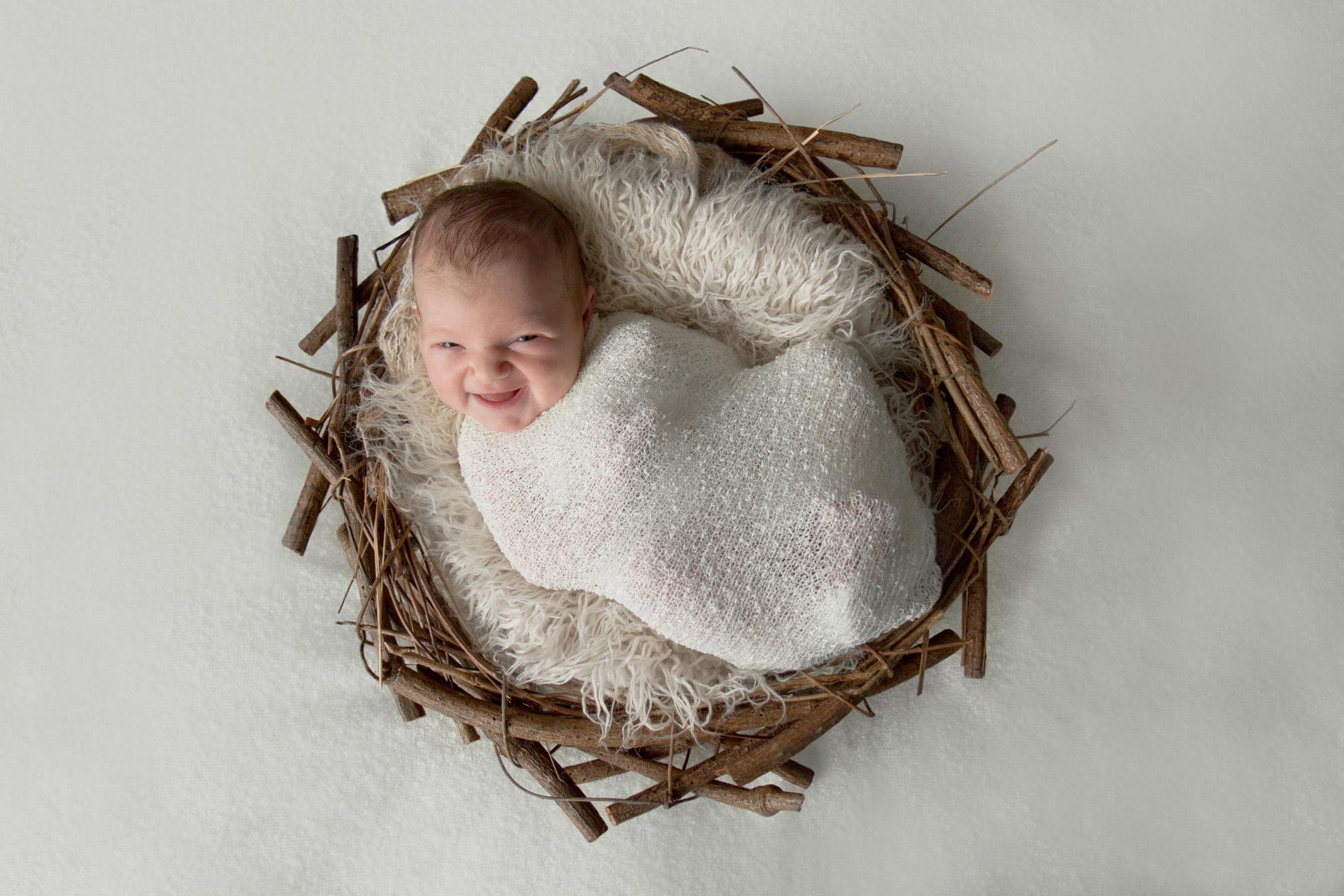 Otorohanga-newborn-photographer-baby-smiles.jpg