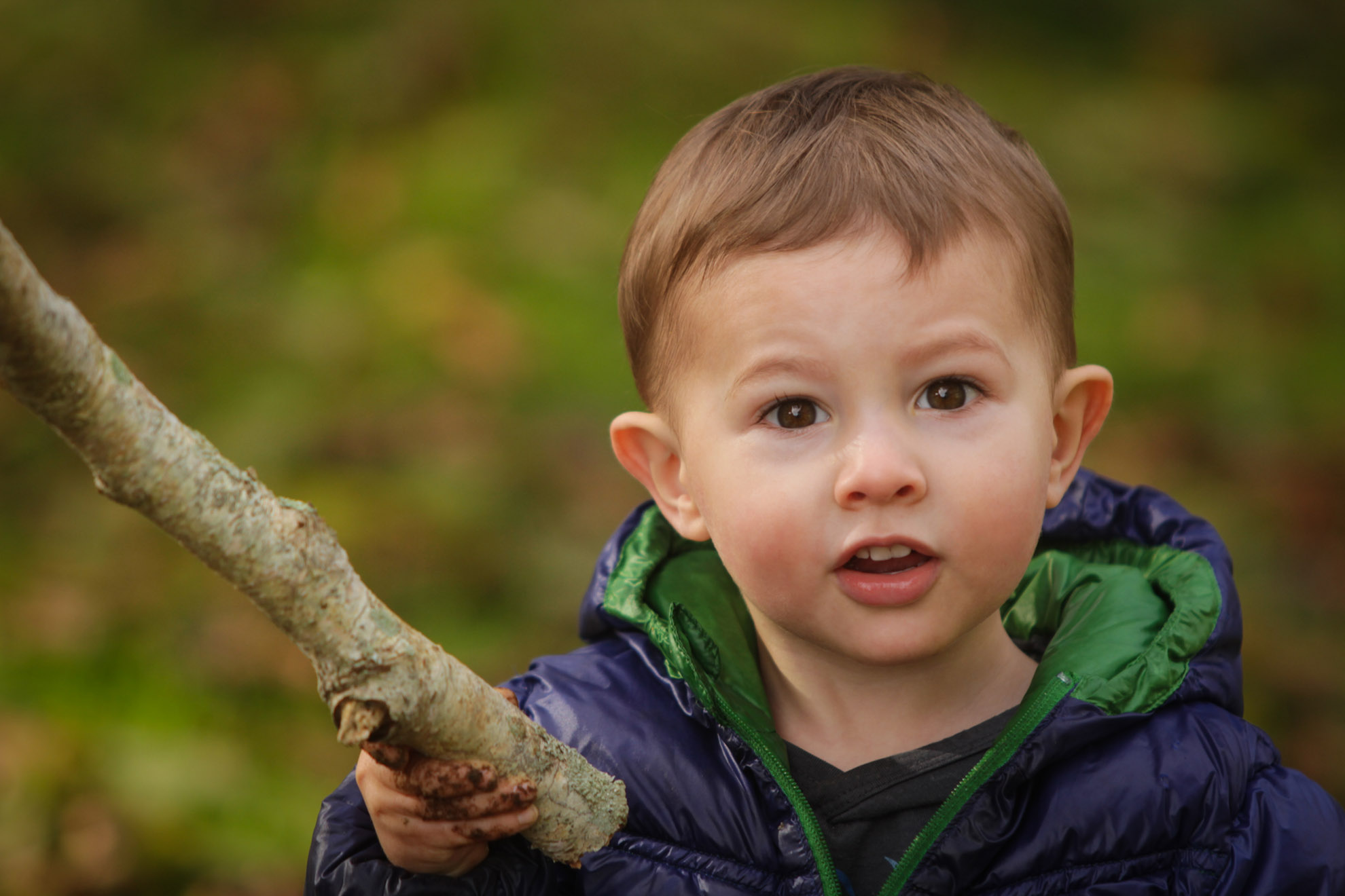 Hamilton-photographer-outdoor-portrait-session-with-toddler.jpg