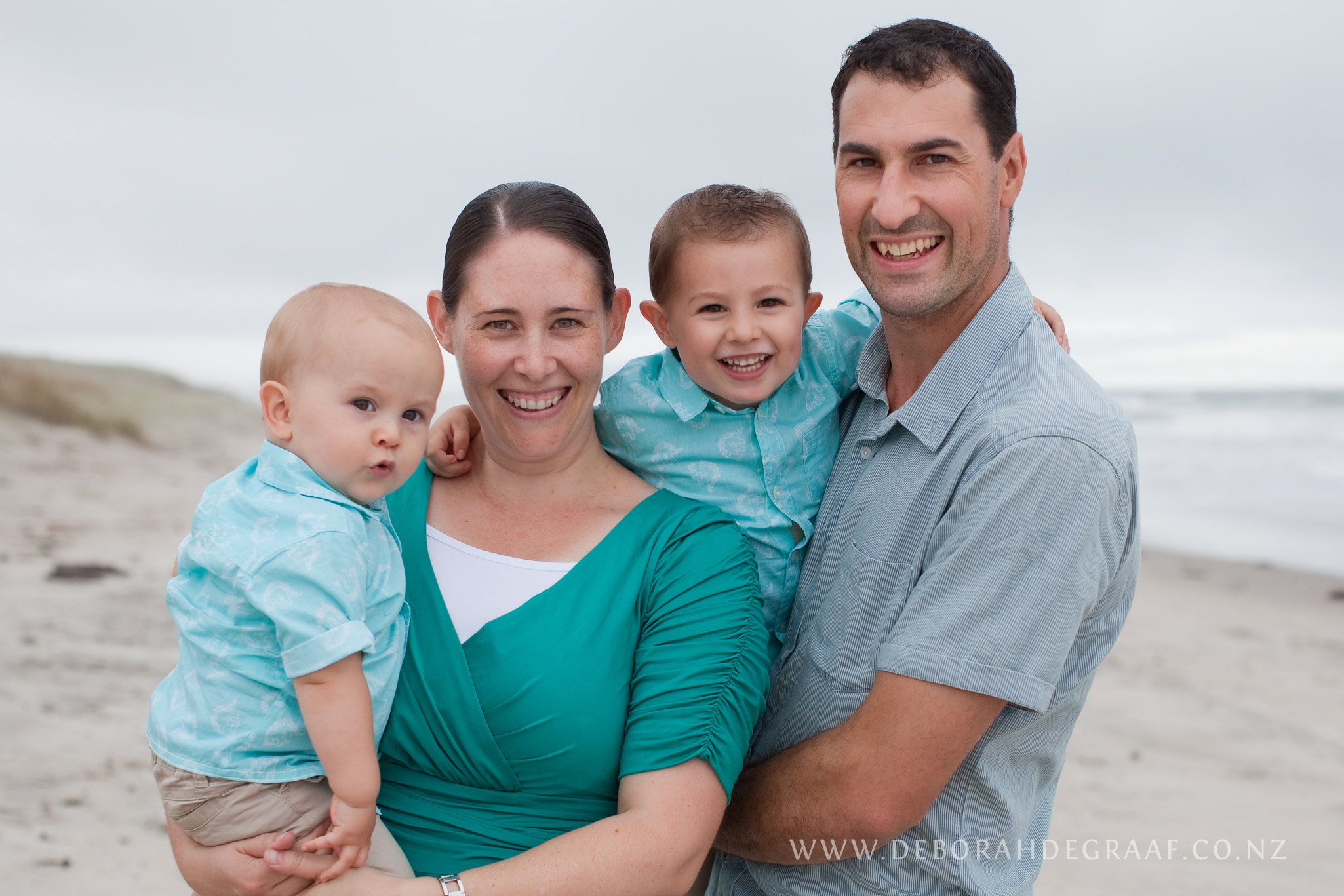 How-to-choose-a-family-photographer.jpg