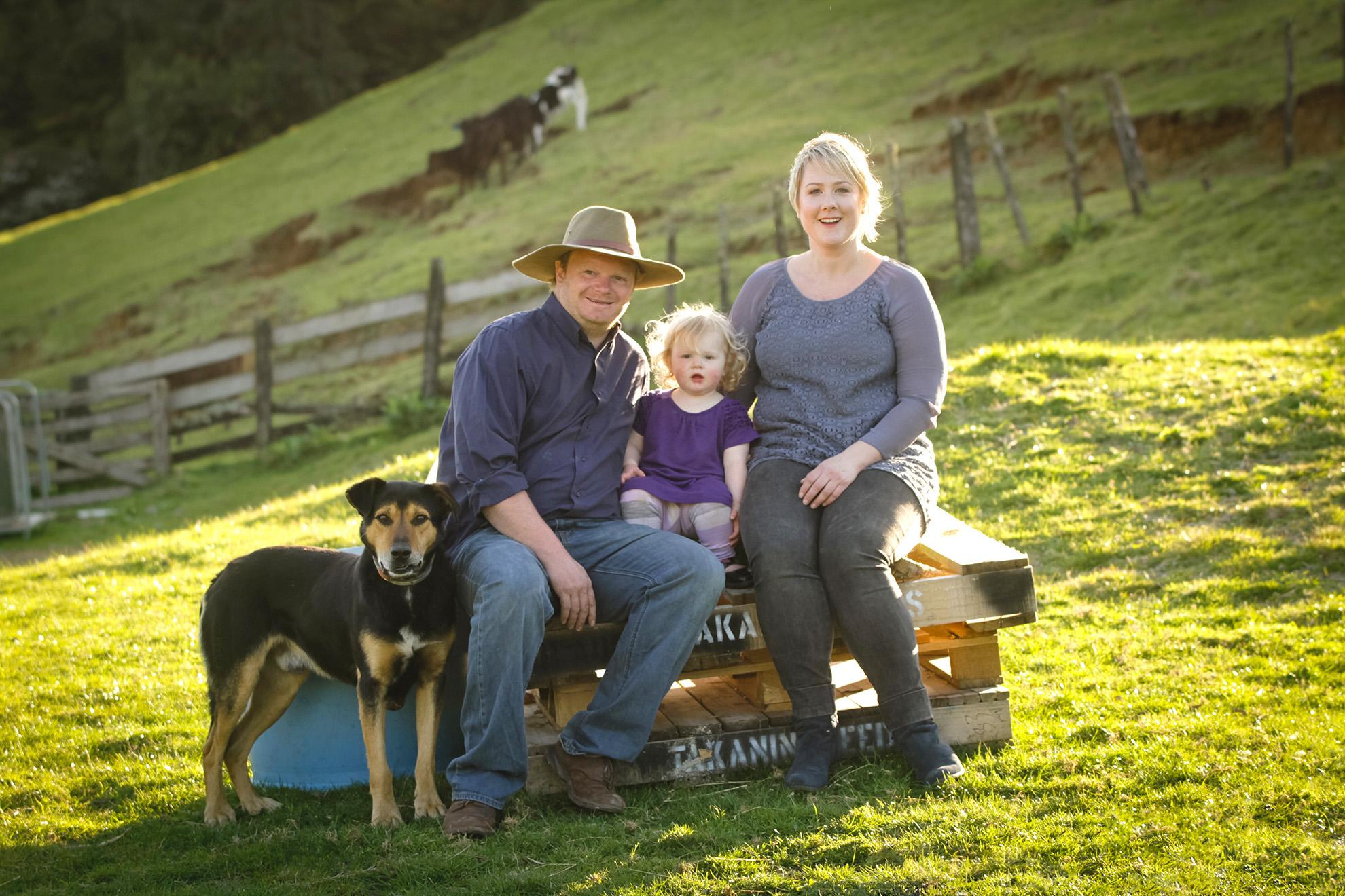 Hamilton-family-photographer-Piopio-farm-session.jpg