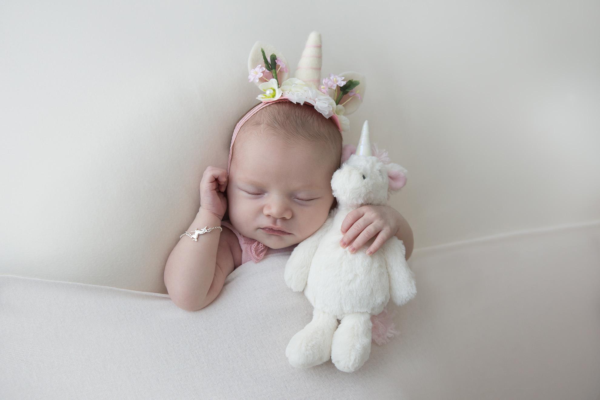 Newborn-photography-unicorn-photo-shoot.jpg