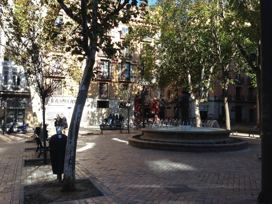 Zaragoza has so many charming plazas tucked away into its narrow streets