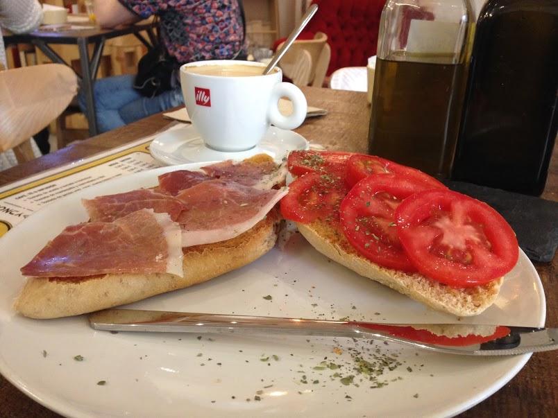Breakfast at Caótica